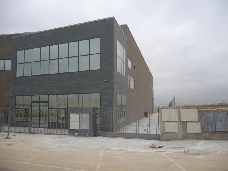 Nave industrial arroyomolinos construcciones nieto - Soleria exterior ...